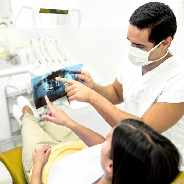 Як підготуватися до імплантації зубів