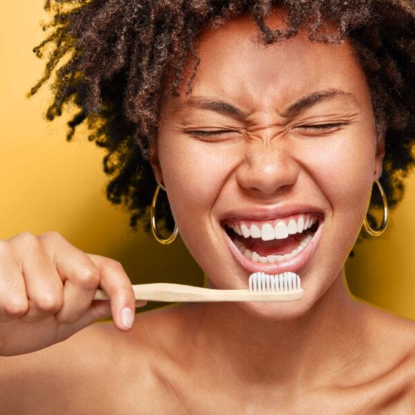 Чи можливо зробити професійну гігієну в домашніх умовах